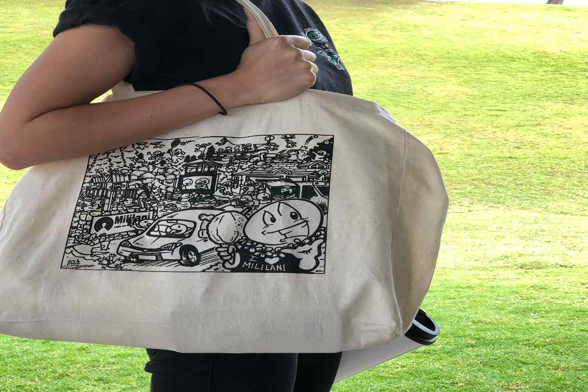 50th Anniversary Gecko Tote bags